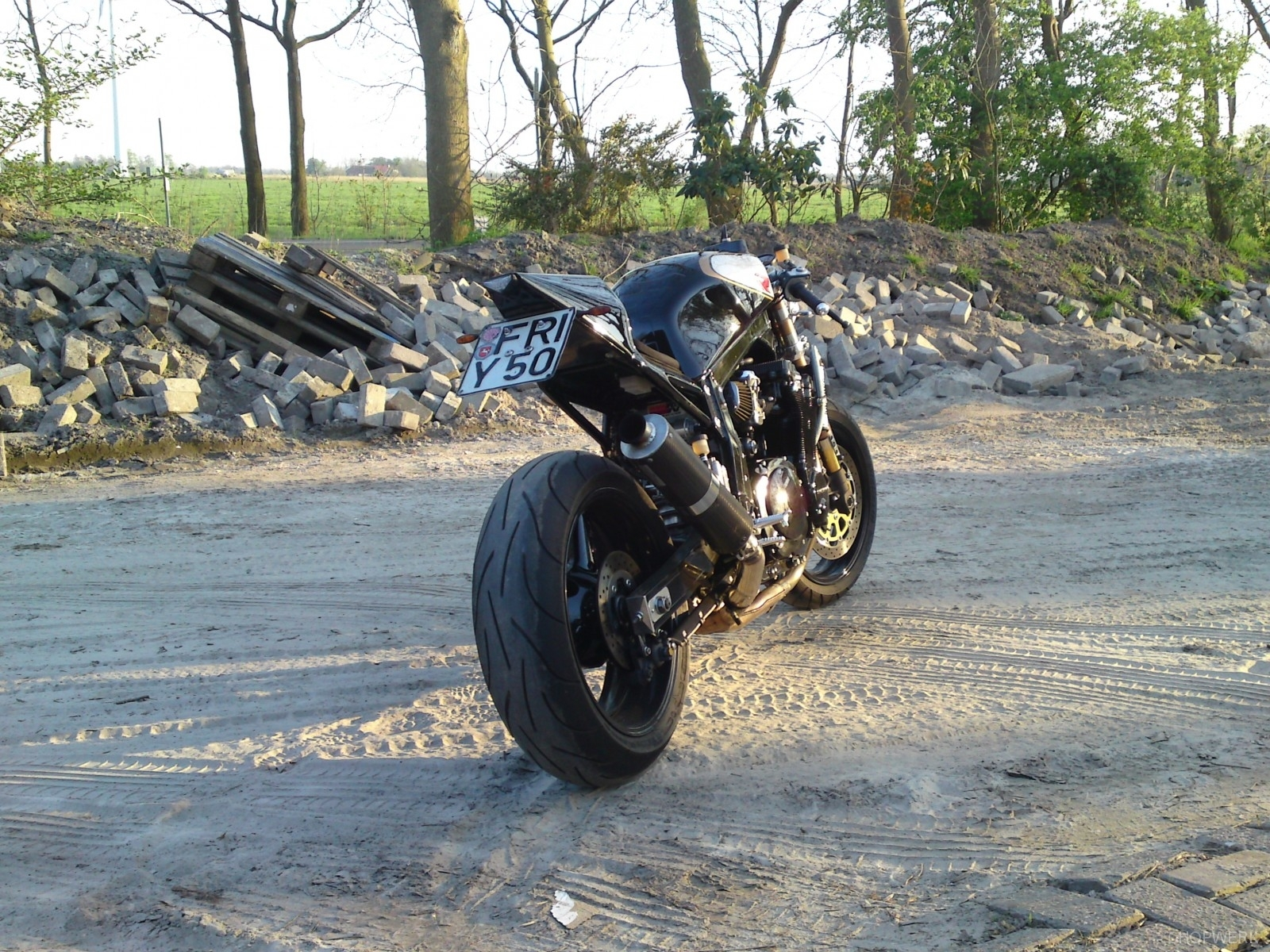 GSX-R-1100-caferacer-4