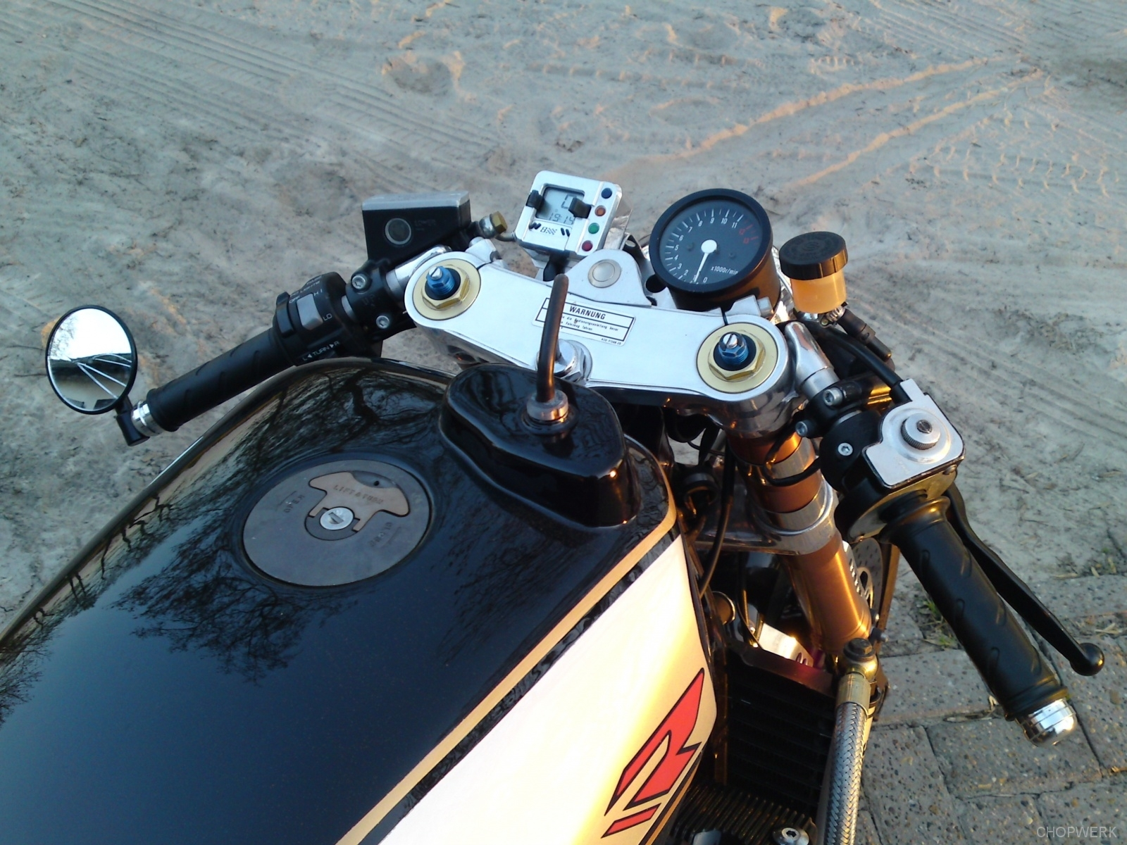 GSX-R-1100-caferacer-9